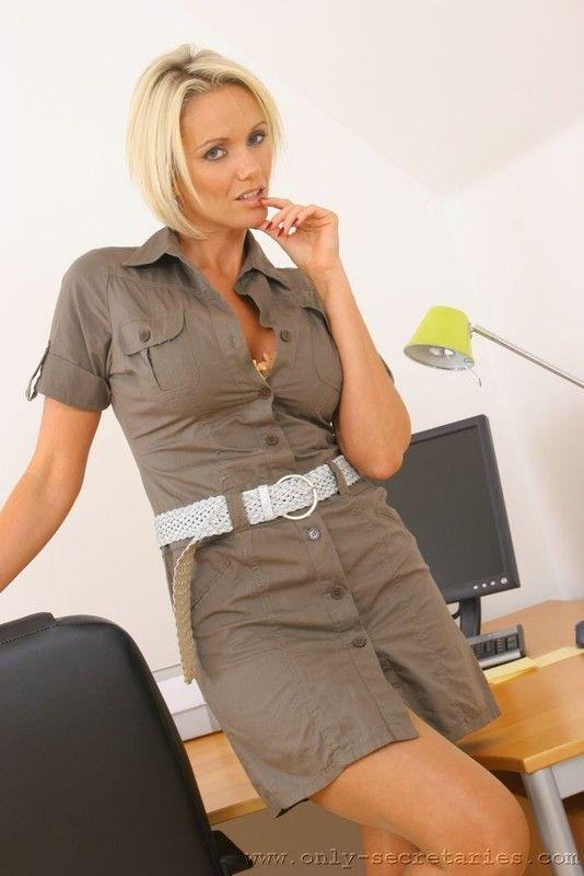 British slut amanda j plays with herself in various scenes - 3 8